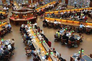図書室 勉強 イメージ
