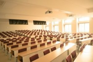 大学 教室 イメージ